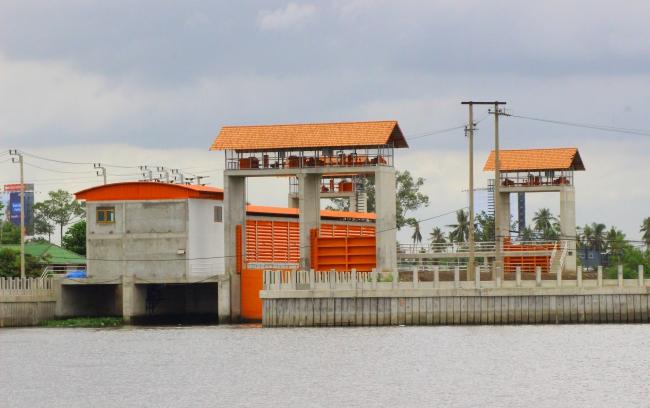 งานจ้างก่อสร้างประตูระบายน้ำและสถานีสูบน้ำคลองพระอุดม พร้อมอาคารประกอบจังหวัดนนทบุรี
